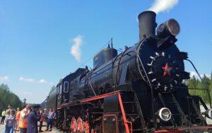 Путешествие до парка Рускеала на ретро-поезде